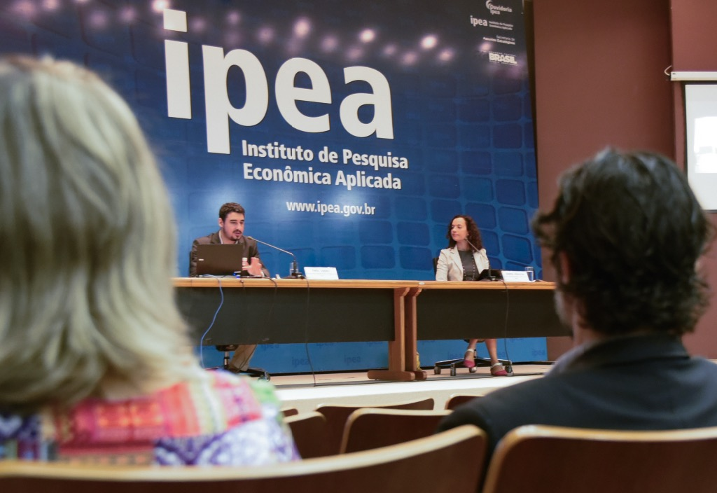 PEC 241 representa perdas expressivas para a assistência social, diz Ipea