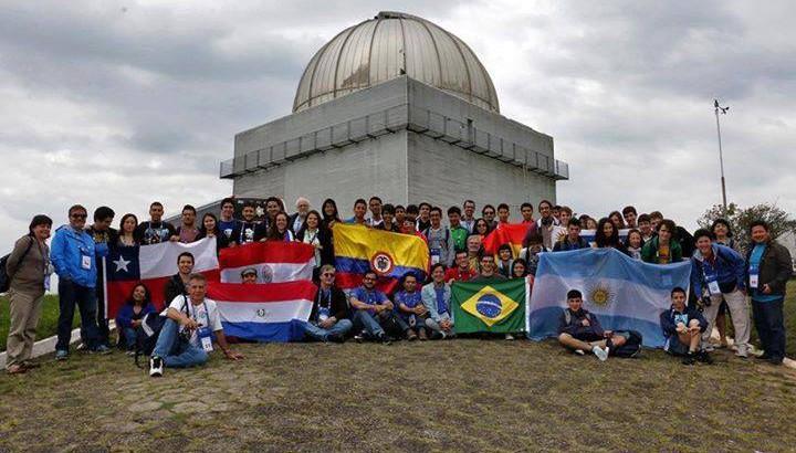 Brasileiros ganham medalha de ouro em olimpíada internacional de astronomia