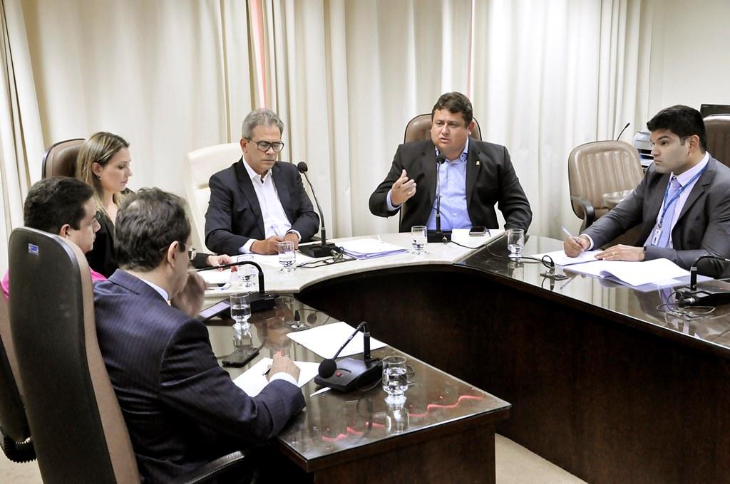 """""""É preciso que façamos um concurso para 2 mil vagas"""", diz secretário de Justiça do RN"""