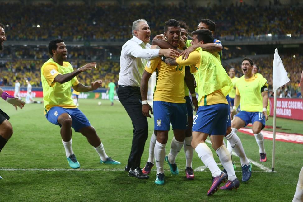 Brasil volta a liderar ranking da Fifa