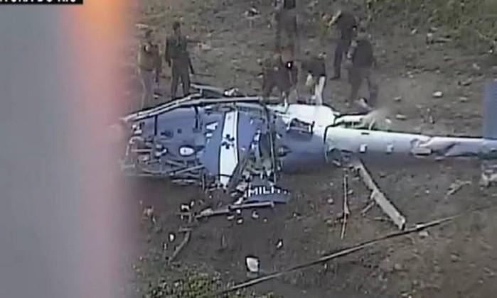 Após queda de helicóptero, PM faz operação na Cidade de Deus