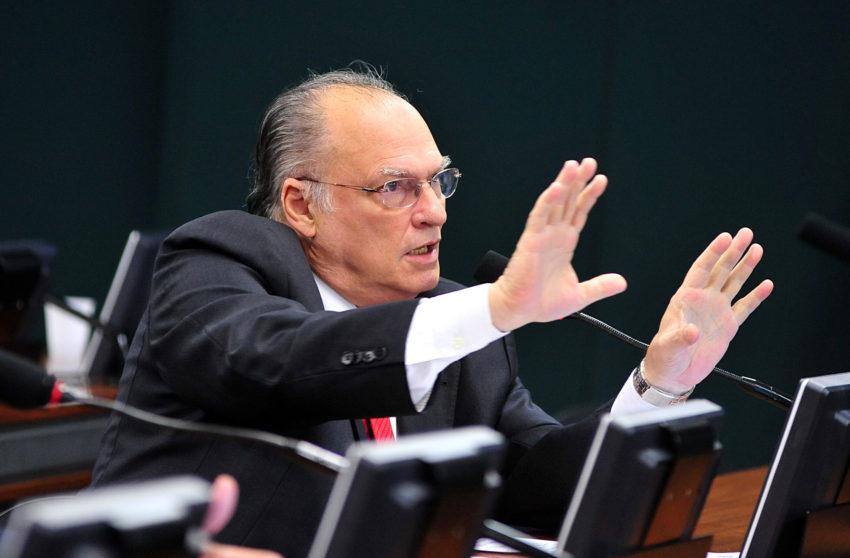Roberto Freire é nomeado como novo ministro da Cultura