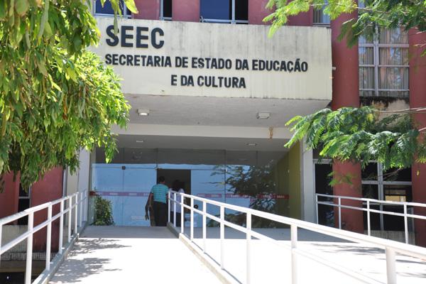 Secretaria de Educação dialoga com TCE/RN para novas convocações do Concurso de 2015