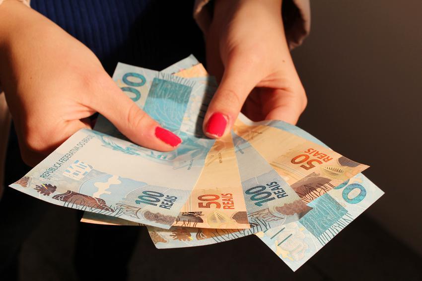 Governo do RN anuncia pagamento dos servidores que recebem até R$ 3 mil