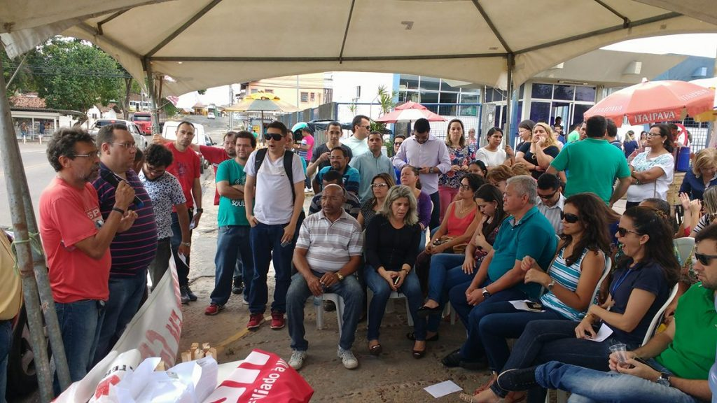 Servidores do Detran decidem suspender greve no RN