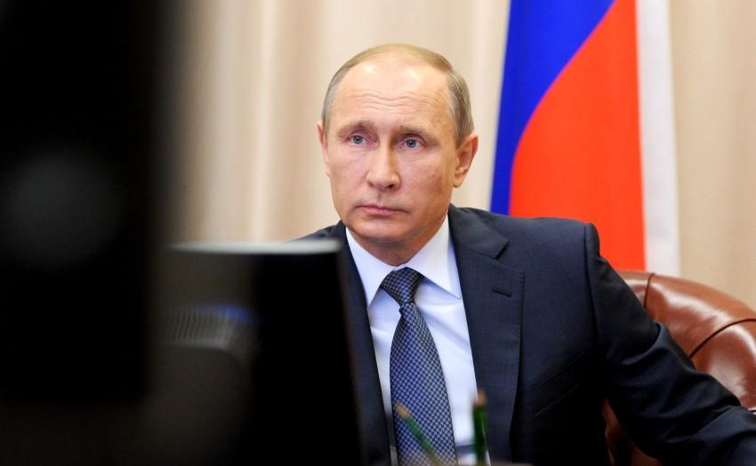 Putin acusa países que compõem a Otan de obedecerem cegamente aos EUA