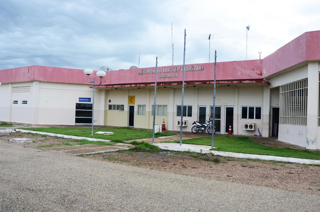 aeroporto - [Brasil] Liberação do Aeroporto de Mossoró depende do rebaixamento de parabólicas e telhados, diz governo Aeroporto-de-Mossor%C3%B3-Fachada