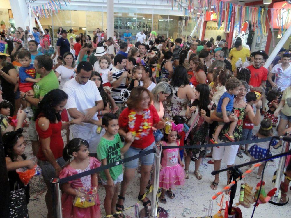 Carnaval modifica funcionamento do comércio em Natal