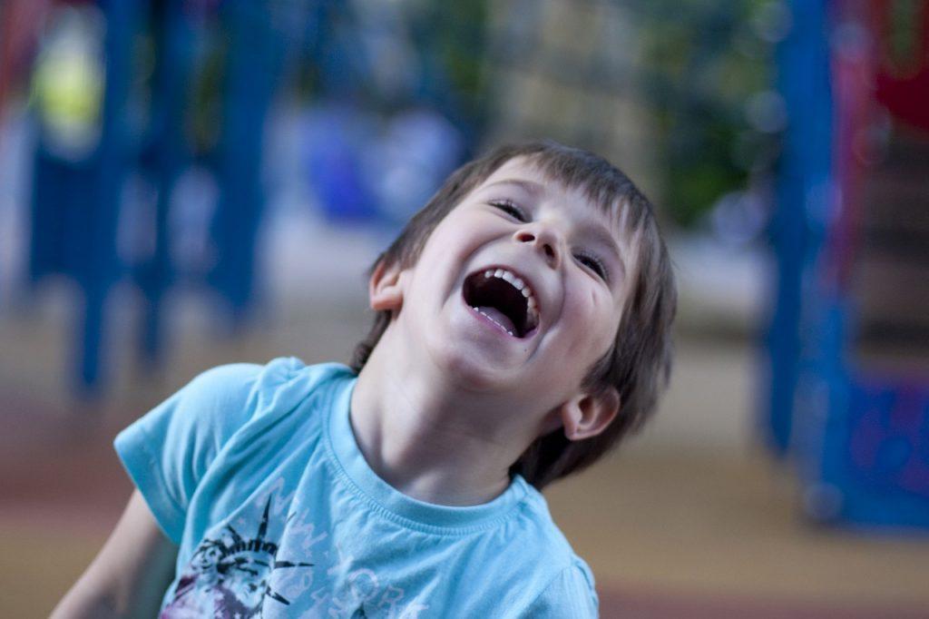 Estudo aponta benefícios do bom humor para as pessoas