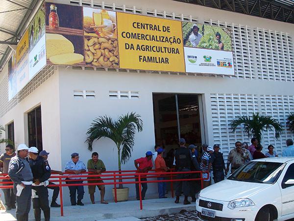 Governo do RN inaugura Central da Agricultura Familiar em Natal