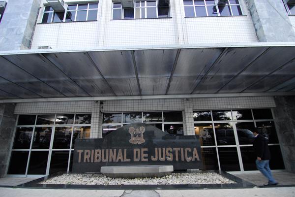 Justiça concede prisão domicilar  para detento portador do vírus HIV