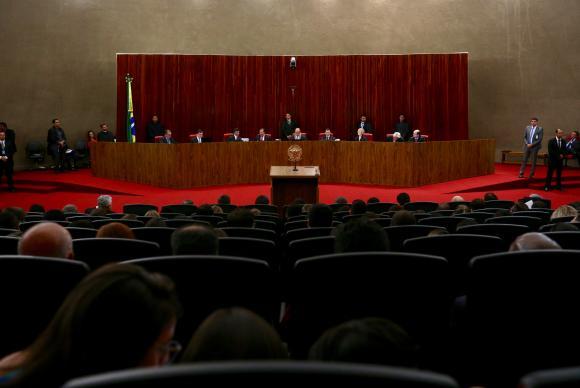 Advogado do PSDB defende cassação da chapa Dilma-Temer no TSE