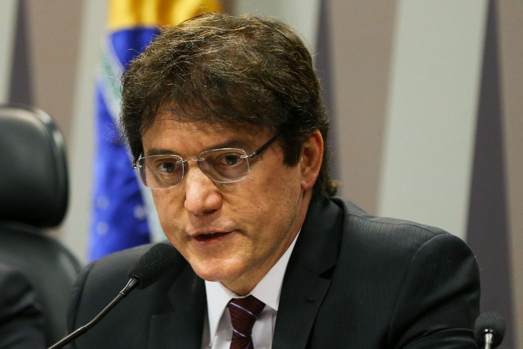 """MP Eleitoral pede cassação de registro de Robinson Faria por """"uso promocional"""" de programa social"""