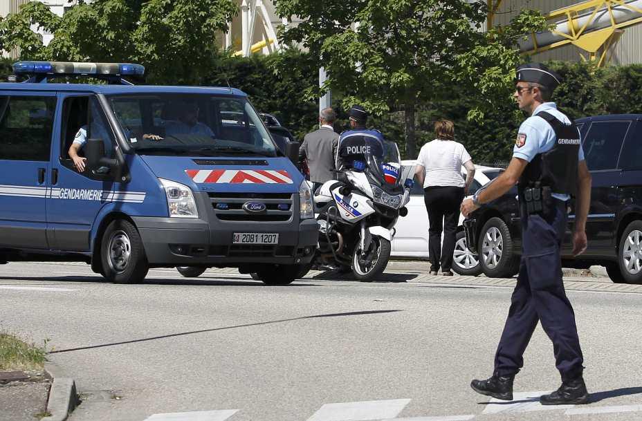 Americanas são atacadas com ácido na França