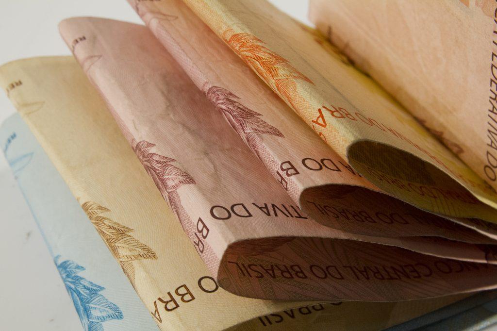 Governo do RN sanciona lei que institui o piso salarial dos servidores