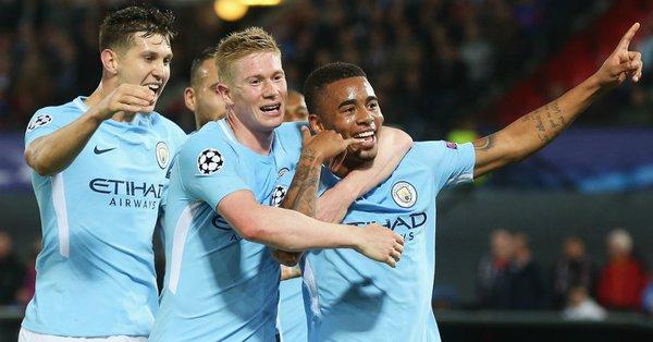 Jesus marca e City goleia na Champions