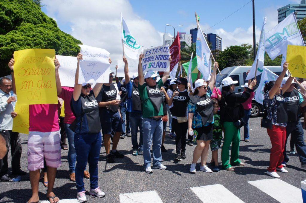 Servidores estaduais realizam protesto no dia da Independência