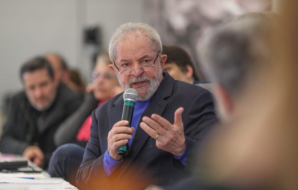 Lula é condenado por unanimidade a 12 anos de cadeia