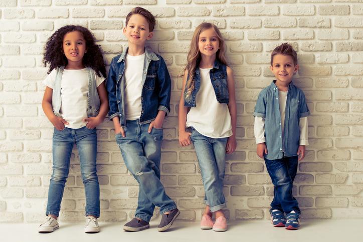 Mais que uma tendência de moda, uma nova forma de pensar: roupas sem gênero para os pequenos