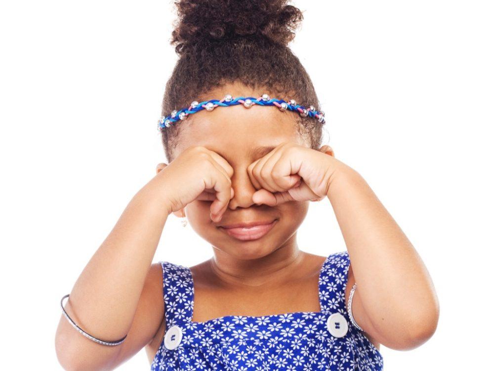 Você sabia? Coçar os olhos na infância pode levar ao desenvolvimento do ceratocone