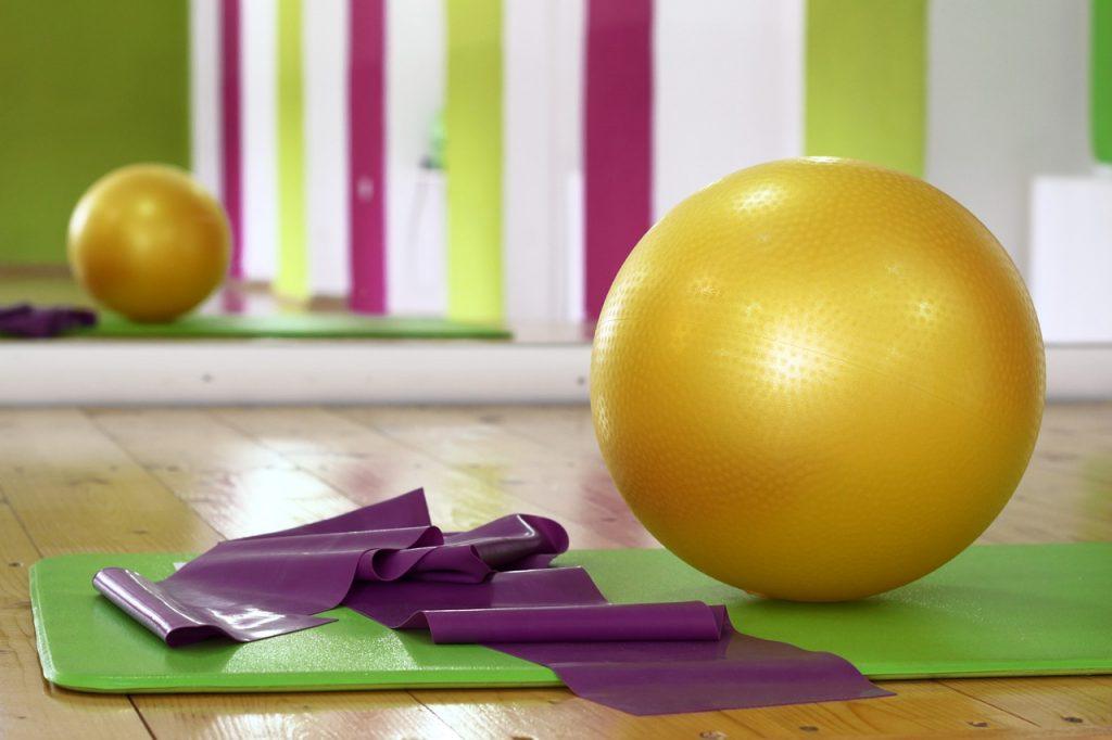 Cinco benefícios do Pilates para idosos