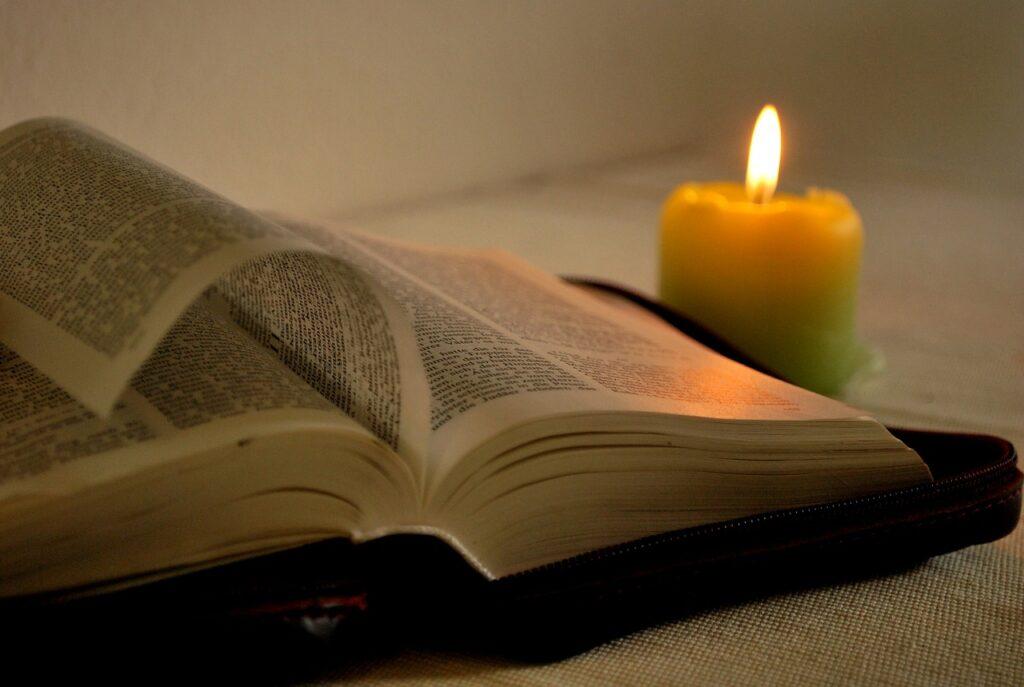 bíblia sagrada antigo testamento novo testamento