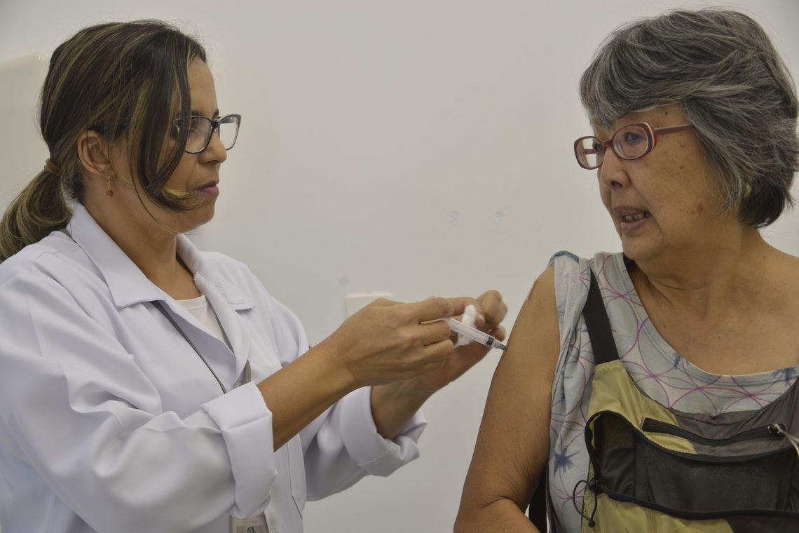 Dia D de vacinação contra a gripe será neste sábado em todo o Brasil