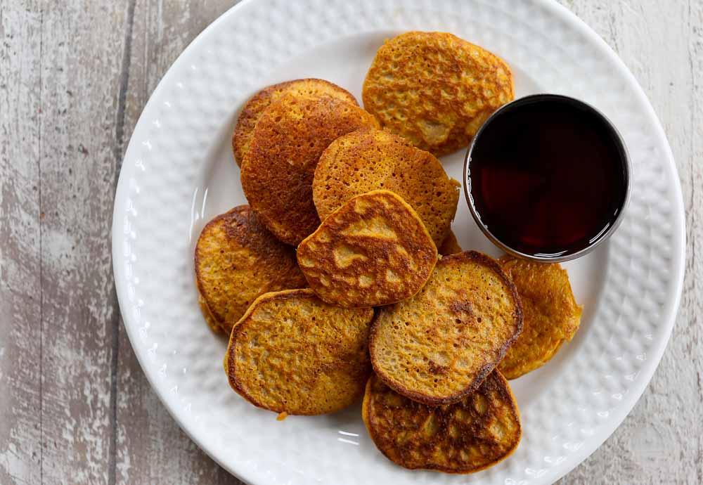 Panquecas de batata doce com apenas 2 ingredientes (e sem farinha!)
