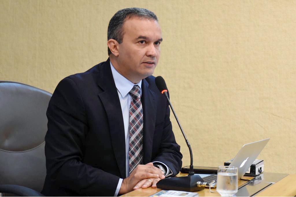 """Kelps denuncia uso da máquina pública para """"eleger"""" Robinson Faria e Carlos Eduardo"""
