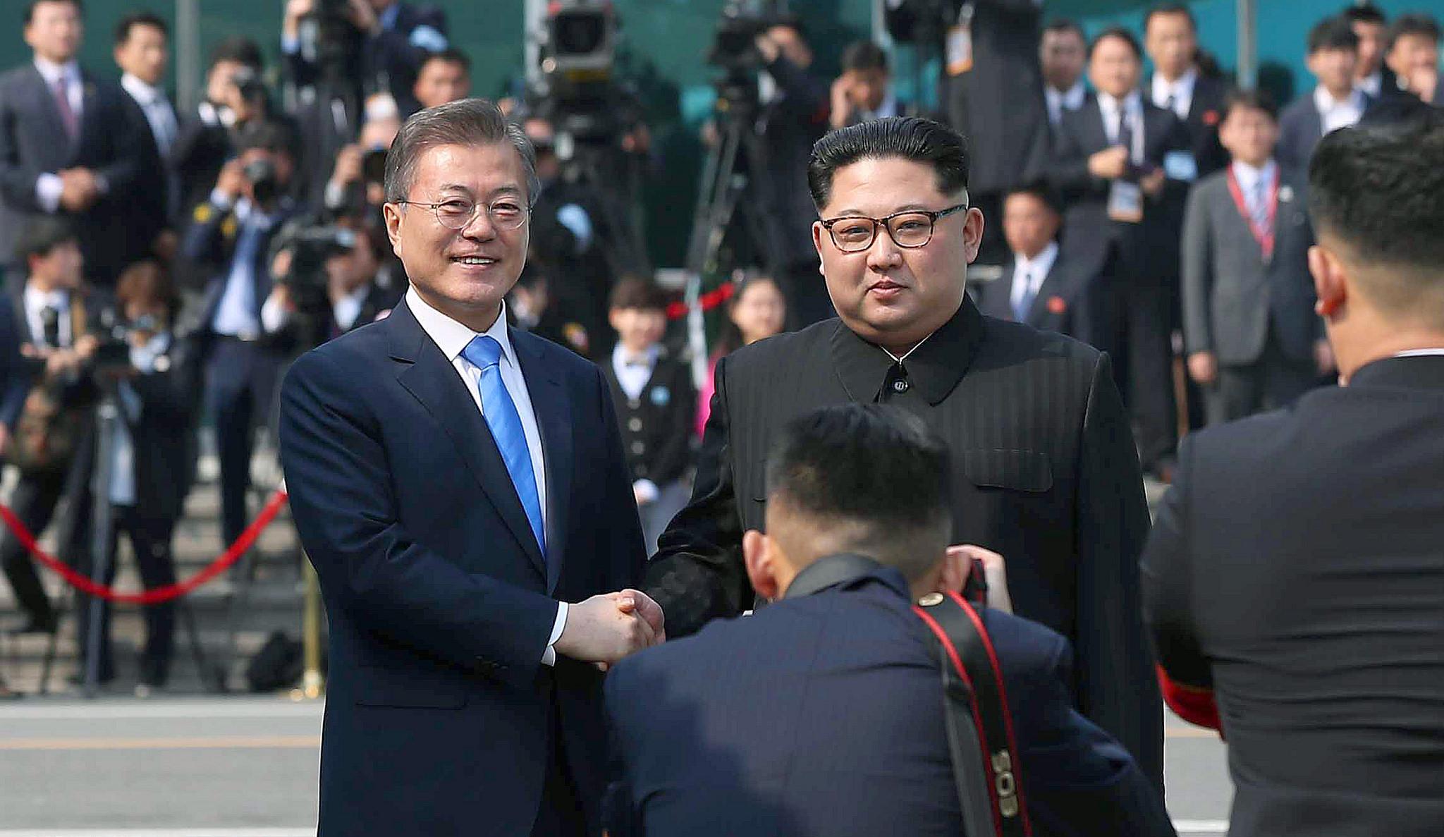Coreia do Norte altera fuso horário para se adequar ao Sul