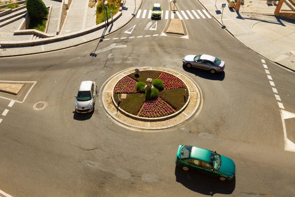 Cruzamentos e preferências no trânsito: esclareça as suas dúvidas.