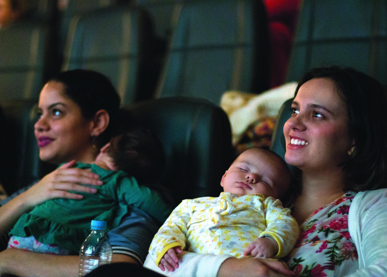 Cinépolis exibe sessão especial para mamães e bebês no Natal Shopping