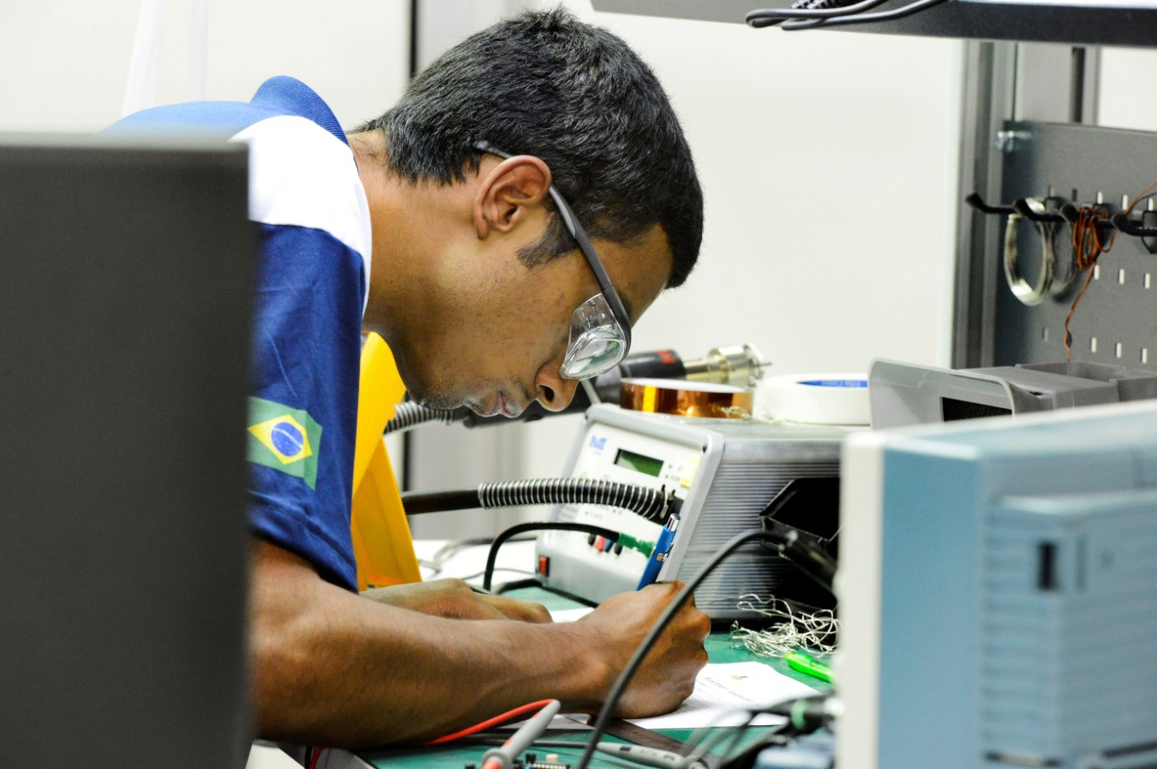 Profissões de nível técnico vem garantindo emprego e salários atrativos