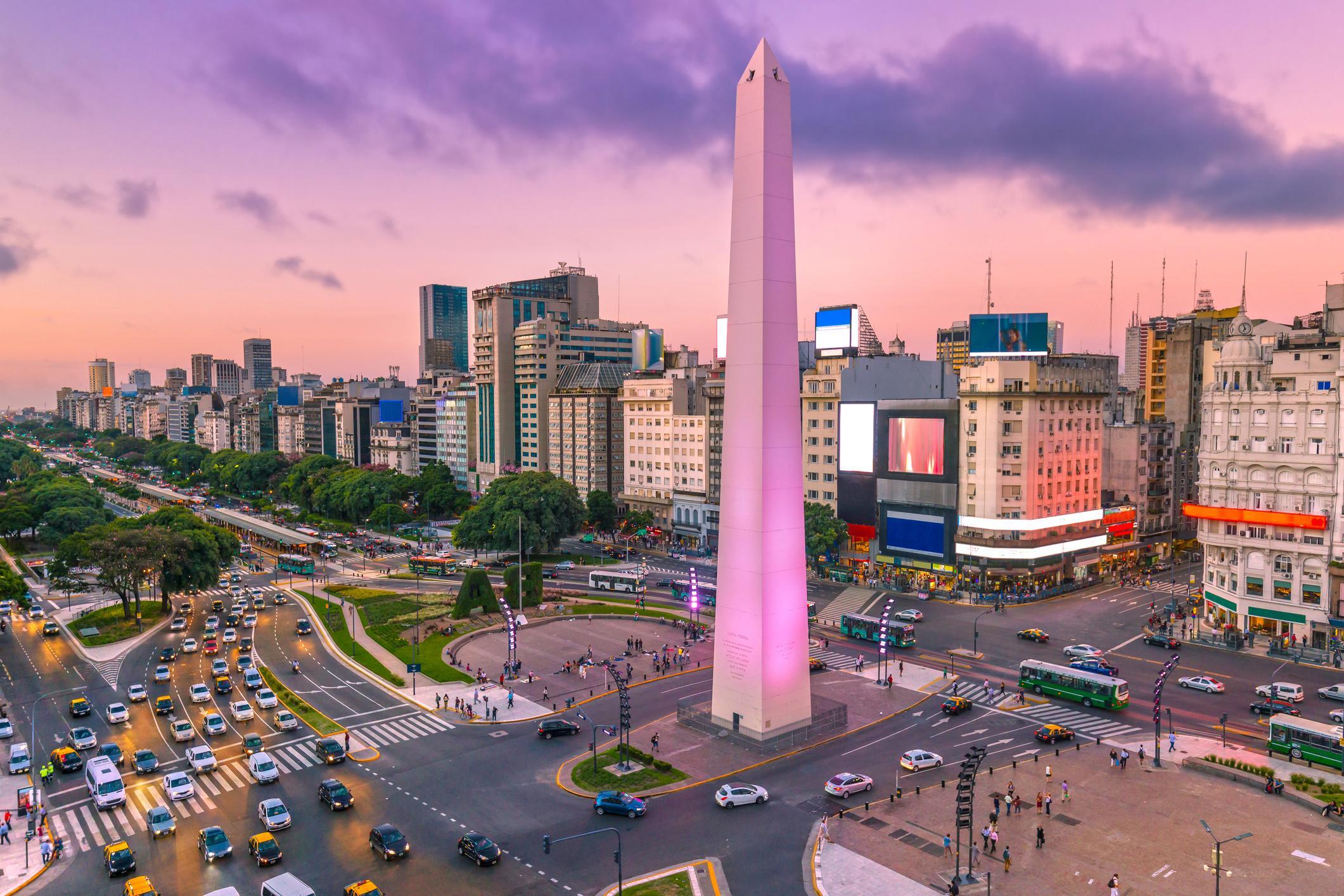 Especialistas acreditam que alta do dólar favorece viagens pela América Latina