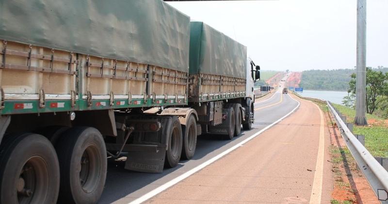 caminhão de frete br