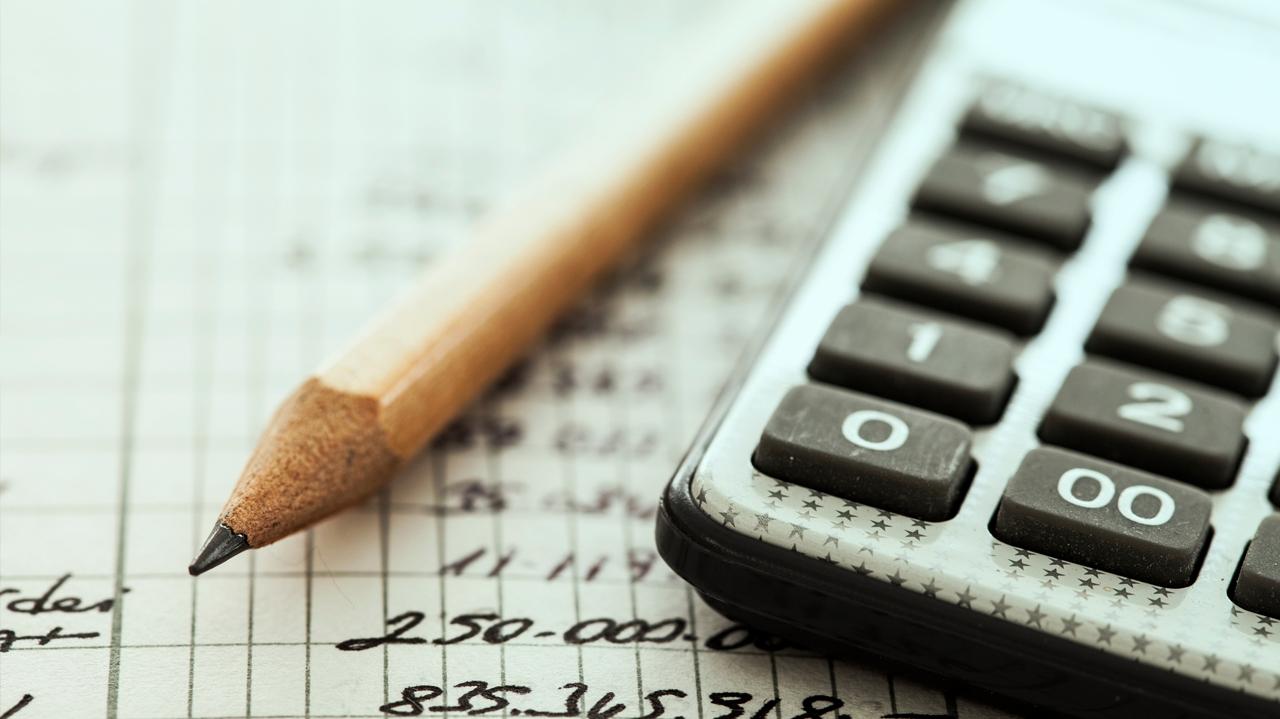 Educação financeira agora é obrigatória nas escolas? Tire dúvidas sobre o tema