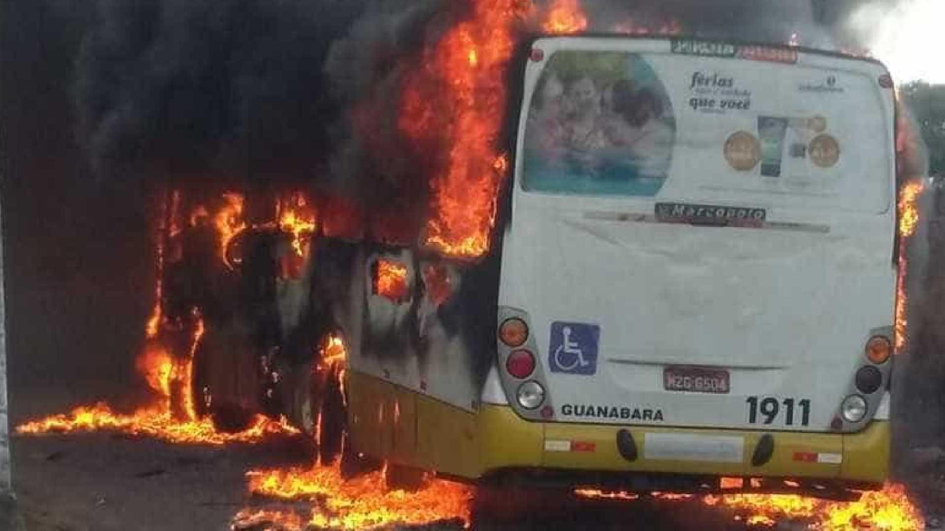 onibus queimado em natal bairro nordeste