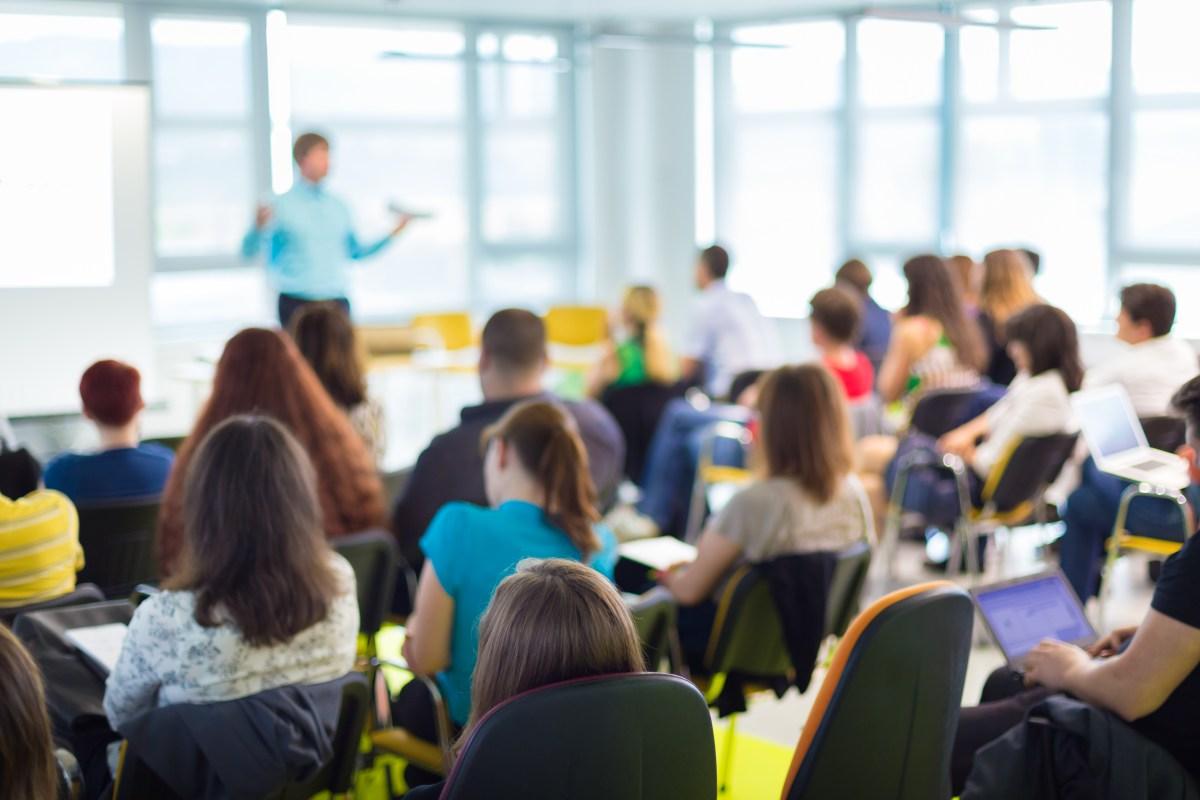 Bolsa de estudo é uma das alternativas para quem participou do Enem 2018