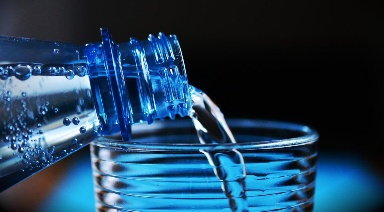 Isto é o que acontece com o seu corpo quando você não bebe água suficiente