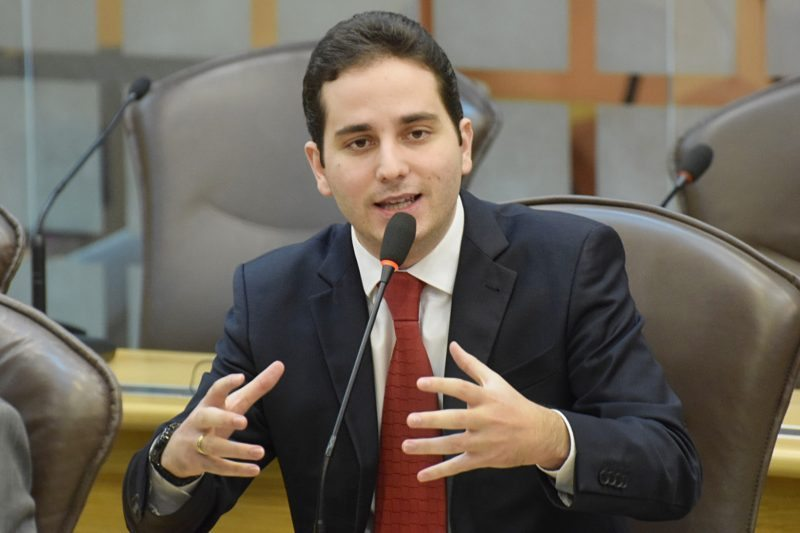 Bens do deputado Jacó Jácome e de ex-servidora da Câmara Municipal são bloqueados pela Justiça