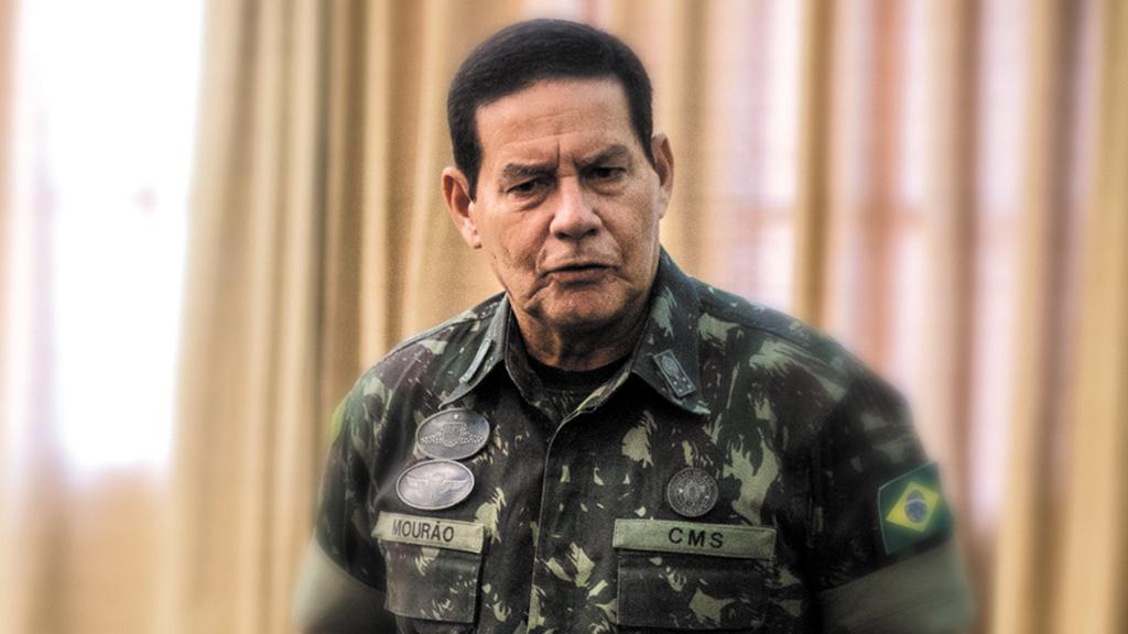 Vice de Bolsonaro, general Mourão critica 13º salário