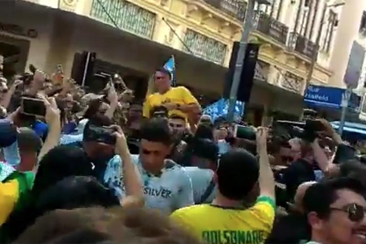 Suspeito de agredir Bolsonaro é ativista comunista