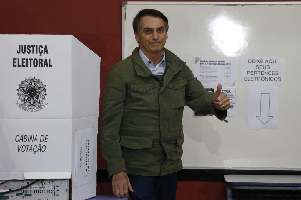 Após ganhar eleição, Bolsonaro confirma seus quatro primeiros ministros