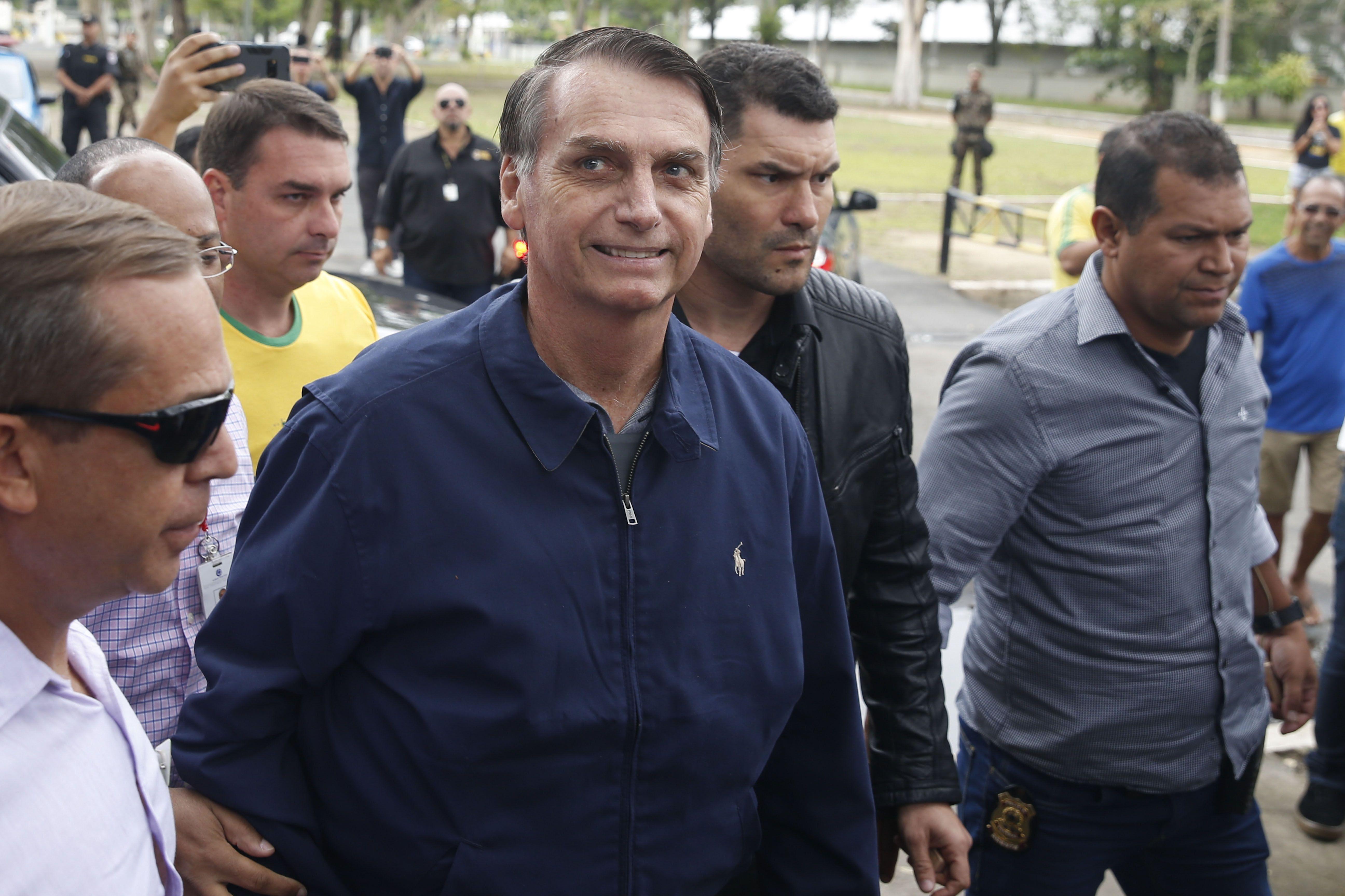Bolsonaro questiona votação e promete ir ao TSE