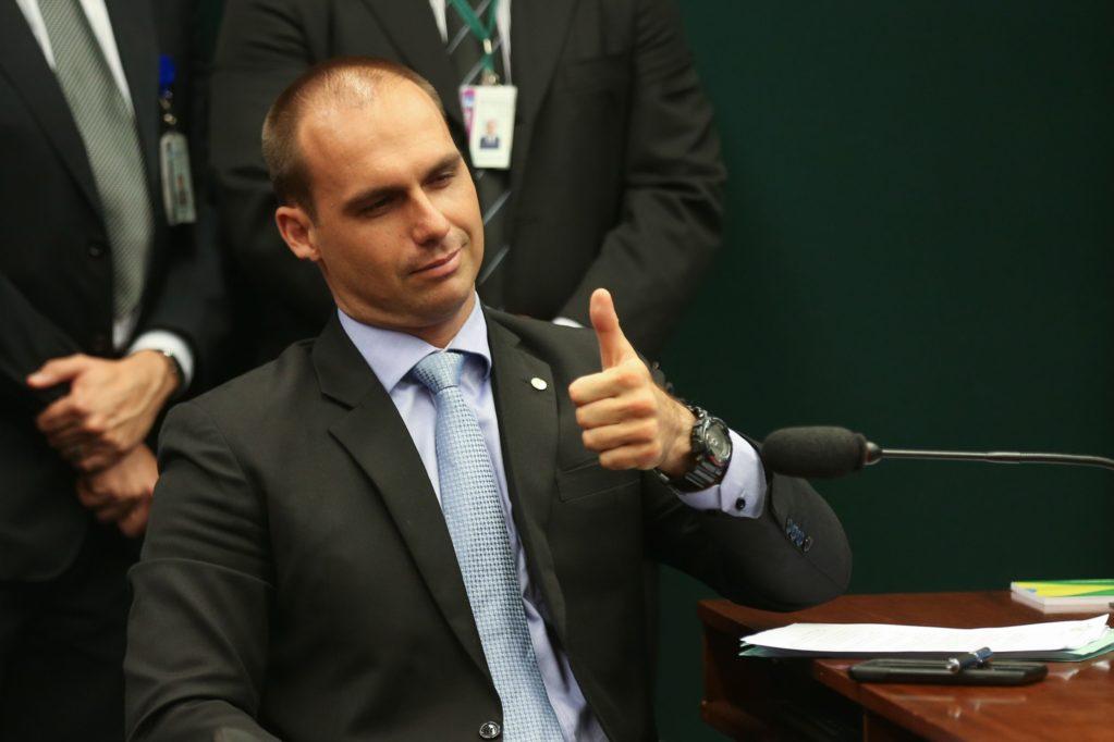 Parlamentares do PSL pedem expulsão de Eduardo Bolsonaro