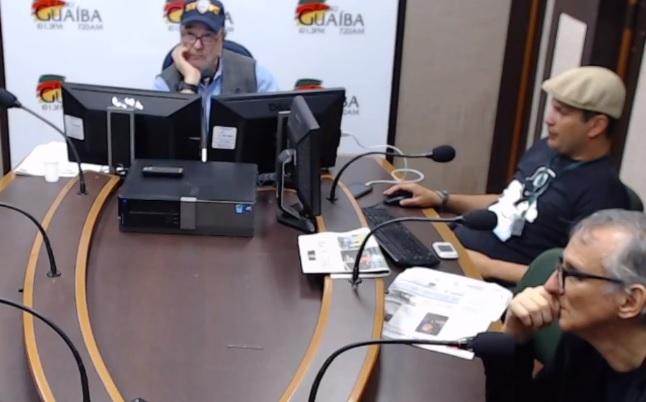 Jornalista se demite ao vivo após entrevista de Bolsonaro