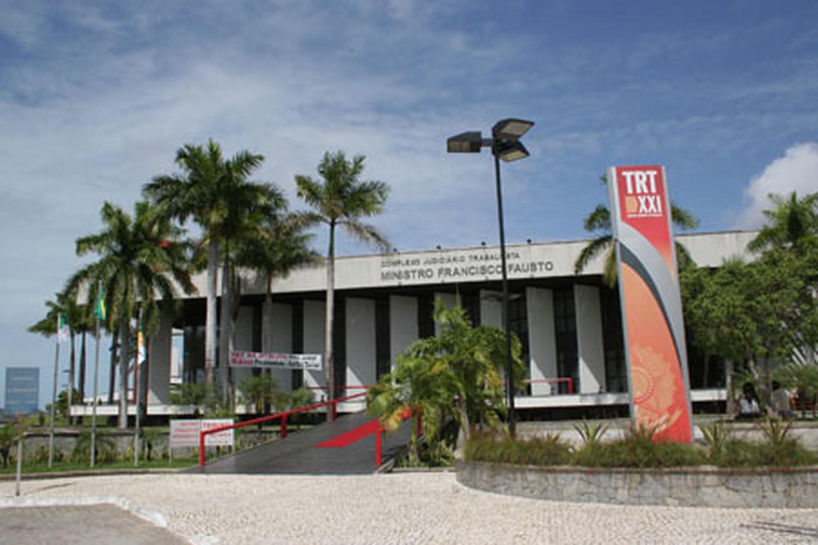 TRT vai conciliar 600 ações de funcionários contra a Caern