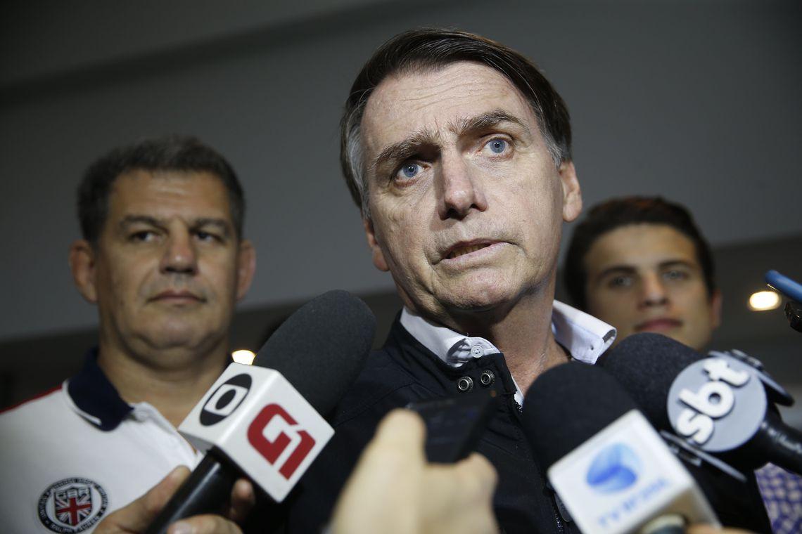 TSE determina que vídeos de Bolsonaro sobre kit gay sejam retirados da net