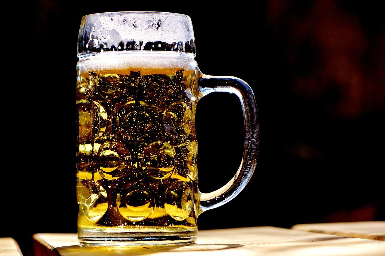 ACervA Potiguar celebra 8 anos de cultura cervejeira com open bar em Natal