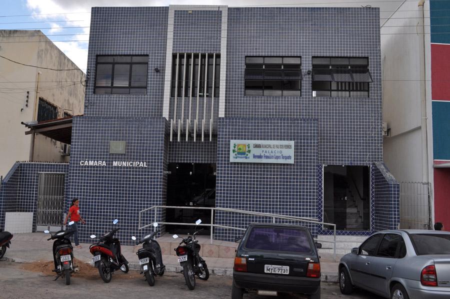 Câmara de Pau dos Ferros RN divulga edital de concurso com oito vagas